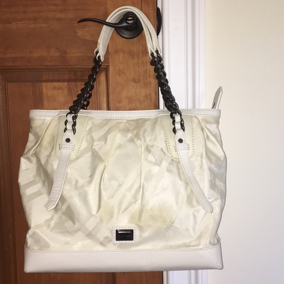 4a294db72e5 Burberry Bags   White Nova Check Purse   Poshmark